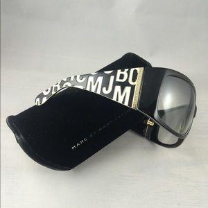 Marc Jacobs polarized sunglasses & hard shell case